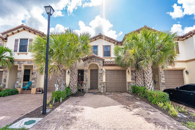 Coconut Creek Townhouse For Sale: 6946 Halton Park Lane
