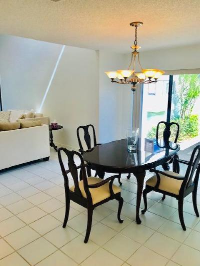 Boynton Beach Single Family Home For Sale: 1 Glens Drive W
