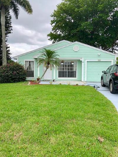 Boynton Beach Single Family Home For Sale: 9090 Woodlark Terrace