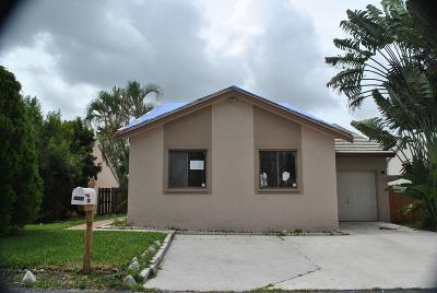 Lake Worth Single Family Home For Sale: 5840 Strawberry Lakes Circle