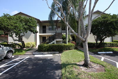 Lake Worth Condo For Sale: 7722 Tahiti Lane #103