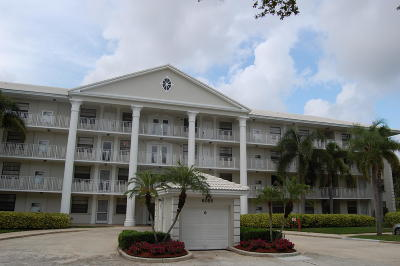 Boca Raton Condo Contingent: 6085 Balboa Circle #405