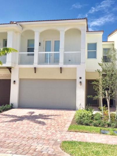Boca Raton Townhouse For Sale: 100 NW 69th Circle #92