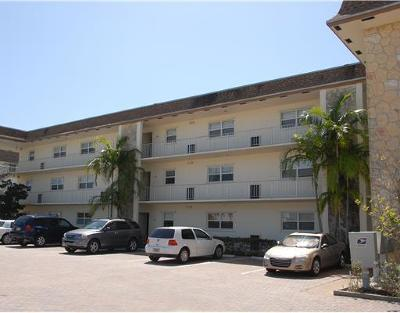 North Palm Beach Condo Contingent: 124 Shore Court #303