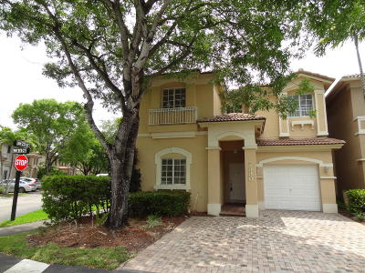 Doral Single Family Home For Sale: 7330 NW 111th Court