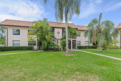 Lake Worth Condo For Sale: 7125 Golf Colony Court #203