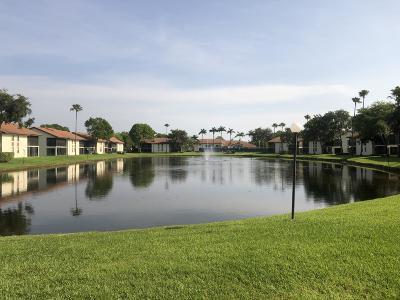 Boynton Beach Condo For Sale: 10399 S Circle Lake Drive #102