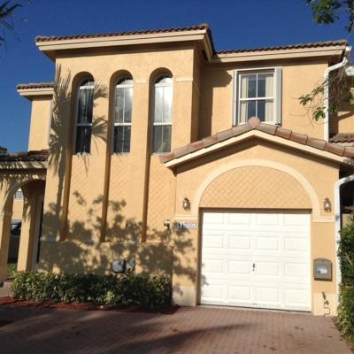 Miami-Dade County Townhouse For Sale: 11705 SW 138th Avenue