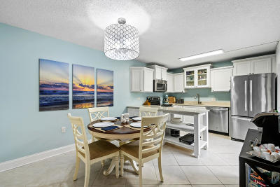 Palm Beach Gardens Townhouse For Sale: 230 2nd Terrace