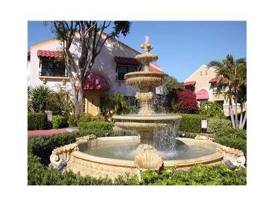 Juno Beach Townhouse For Sale: 16 Uno Lago Drive