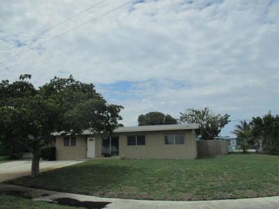 Lantana Single Family Home Contingent: 905 Garnett Street