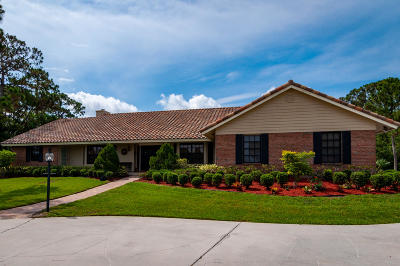 Martin County Single Family Home For Sale: 1664 SE Colony Way