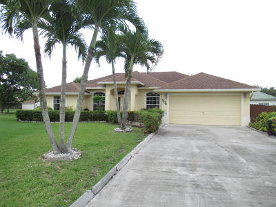 Royal Palm Beach Single Family Home For Sale: 204 Park Road