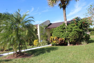 West Palm Beach Single Family Home For Sale: 415 Golden River Drive