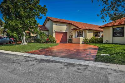Pembroke Pines Single Family Home For Sale: 11341 SW 8th Place
