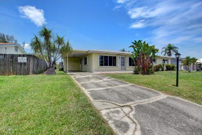 Lake Worth Single Family Home For Sale: 4171 Waterway Drive