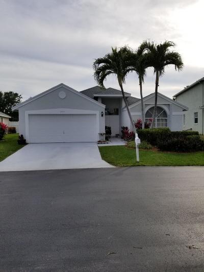 Boynton Beach Single Family Home For Sale: 1321 Fairfax Circle E