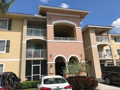 West Palm Beach Condo For Sale: 6482 Emerald Dunes Drive #307