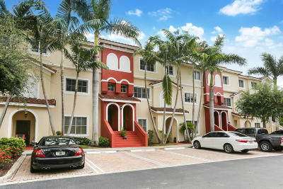Boynton Beach FL Townhouse For Sale: $210,000