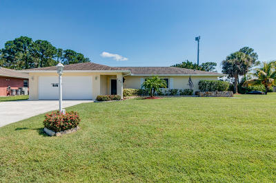 Port Saint Lucie Single Family Home For Sale: 702 SE Browning Avenue
