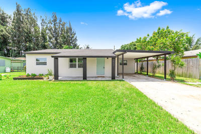 Lake Worth Single Family Home For Sale: 3602 Carlton Road