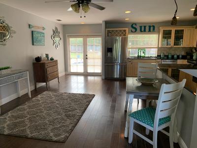 Port Saint Lucie Single Family Home For Sale: 714 NE Lanfair Street NE