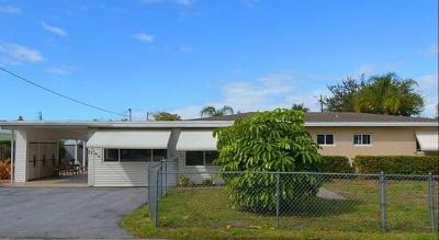 Stuart Single Family Home For Sale: 75 SW Cabana Point Circle