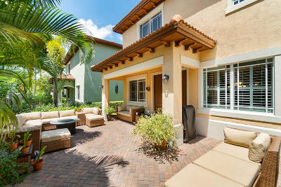 Boca Raton Single Family Home For Sale: 585 NW Dickens Court