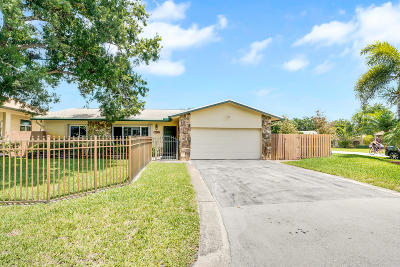 Pompano Beach Single Family Home For Sale: 5151 NW 76th Place