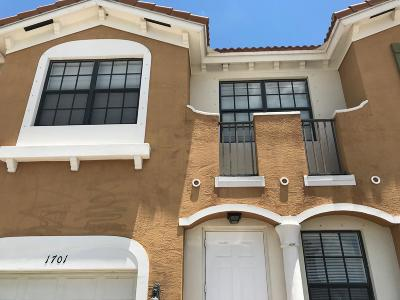 Port Saint Lucie FL Townhouse For Sale: $210,000