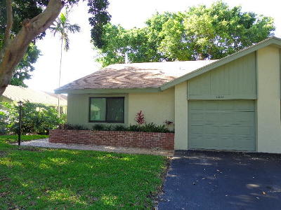 Delray Beach Single Family Home For Sale: 4207 Palm Forest Drive