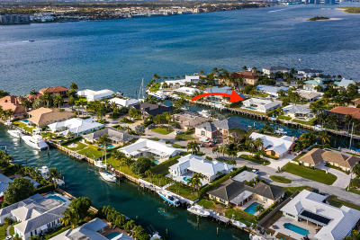 Riviera Beach Single Family Home For Sale: 1041 Gulfstream Way