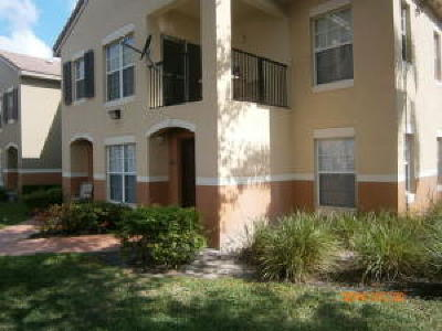 Royal Palm Beach Condo For Sale: 10300 Fox Trail Road S #814