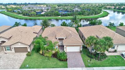 Boynton Beach Single Family Home For Sale: 8341 Cameron Cave Drive