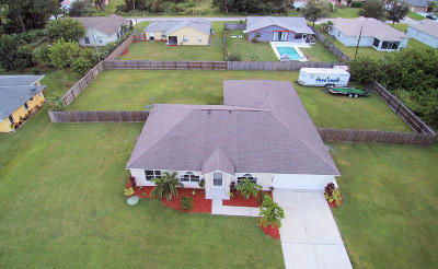 Port Saint Lucie Single Family Home For Sale: 2062 SW Larchmont Lane