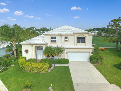 Tequesta Single Family Home Contingent: 18212 SE Wood Haven Lane