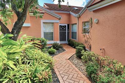 Boynton Beach Single Family Home For Sale: 5746 Royal Lake Circle