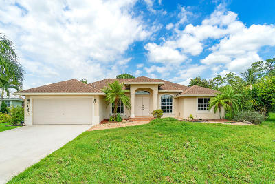 Royal Palm Beach Single Family Home For Sale: 105 Locust Lane