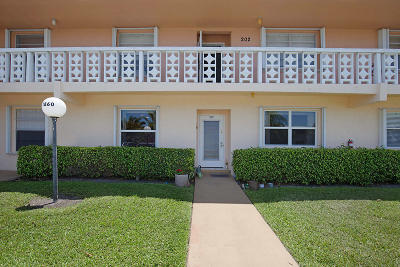 Delray Beach Condo For Sale: 1860 NW 13th Street #102