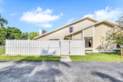Townhouse For Sale: 103 Summerwinds Lane