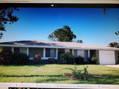 Port Saint Lucie Single Family Home For Sale: 125 SW Lancaster Avenue