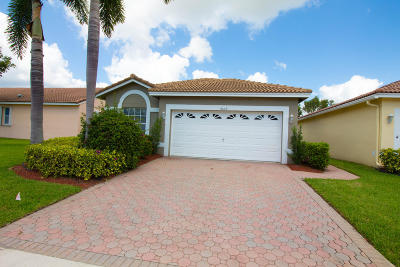 Boynton Beach Single Family Home For Sale: 9629 Cherry Blossom Court