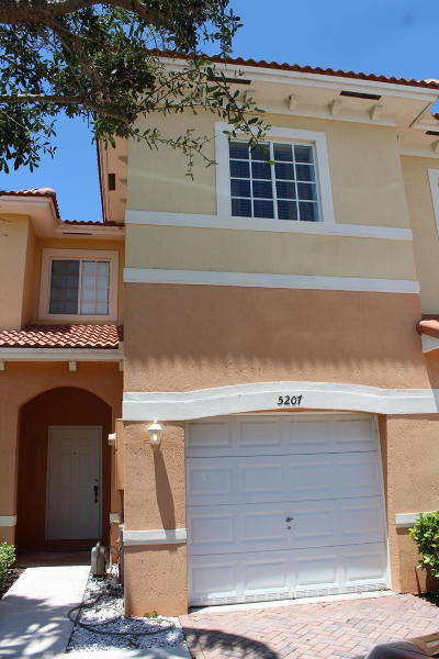 Martin County Townhouse For Sale: 5207 Mariner Garden Circle #N-103