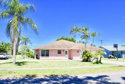 Boynton Beach Single Family Home For Sale: 903 NW 7th Court