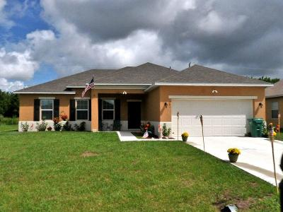 Port Saint Lucie Single Family Home For Sale: 701 SW McComb Avenue