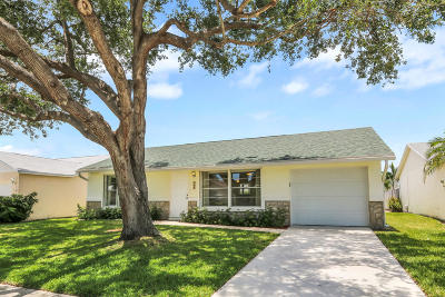 Jupiter Single Family Home For Sale: 111 Banyan Circle