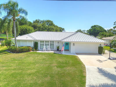 Tequesta Single Family Home For Sale: 144 Fairview E