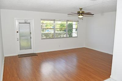 Deerfield Beach Condo For Sale: 1109 Newport U