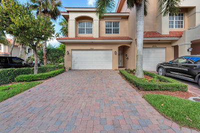 Palm Beach Gardens Townhouse For Sale: 4914 Vine Cliff Way E