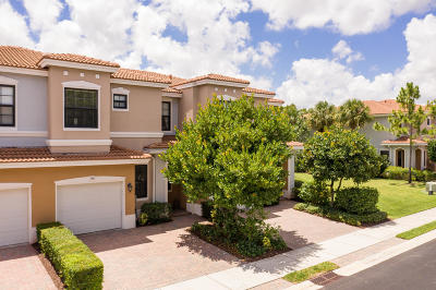 Delray Beach Townhouse For Sale: 158 Gramercy Square Drive